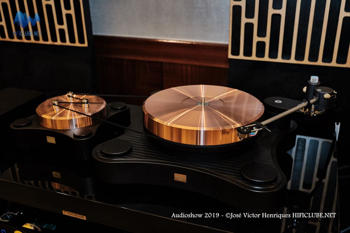 Audioshow 2019 - Ultimate Audio - TW Acustic Raven.jpg