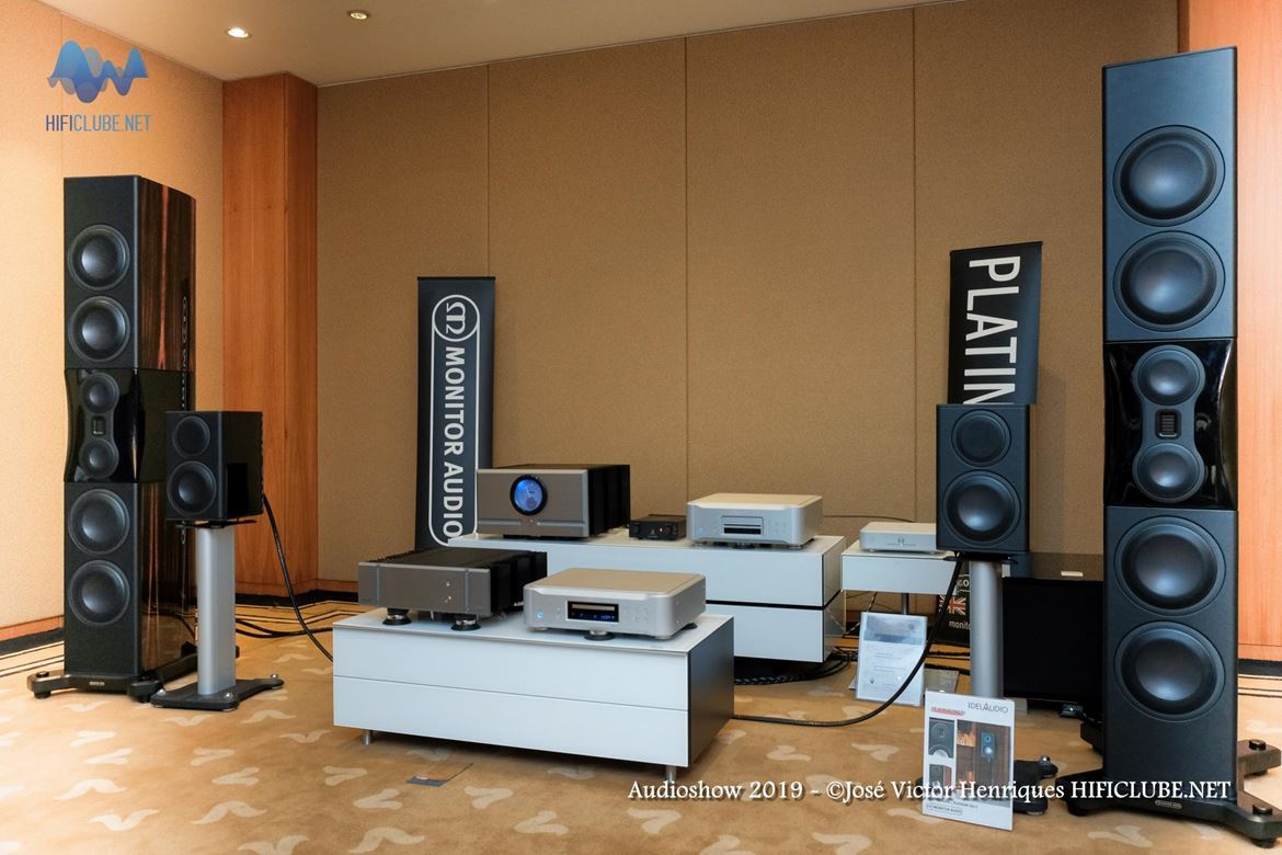 Audioshow 2019 _Delaudio - Esoteric- Pass - Monitor Audio PL500II.jpg