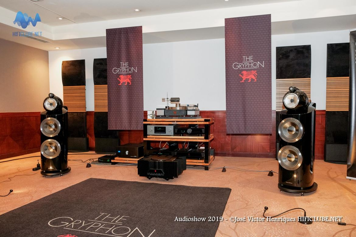 Audioshow 2019 _Ultimate Audio - CS Port - Gryphon - B&W800D3.jpg