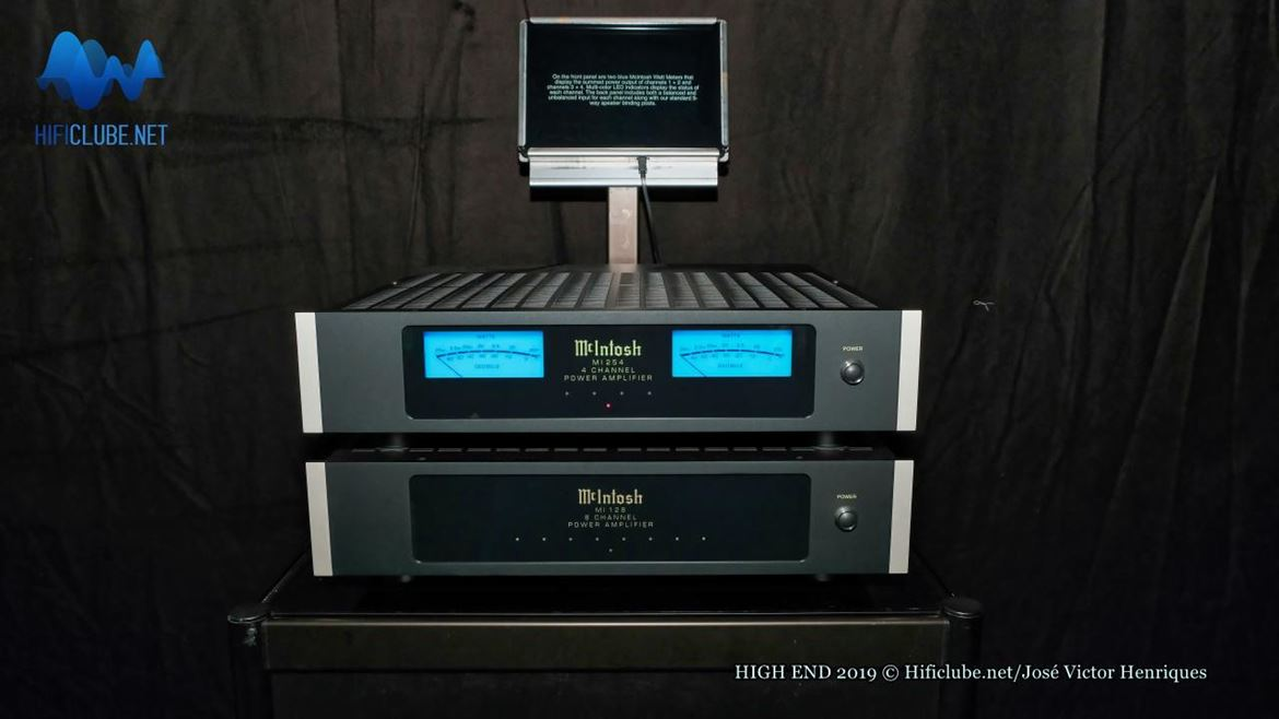 McIntosh MI 254 (4 channel power amp) e MI 128 (8 channel power).jpg