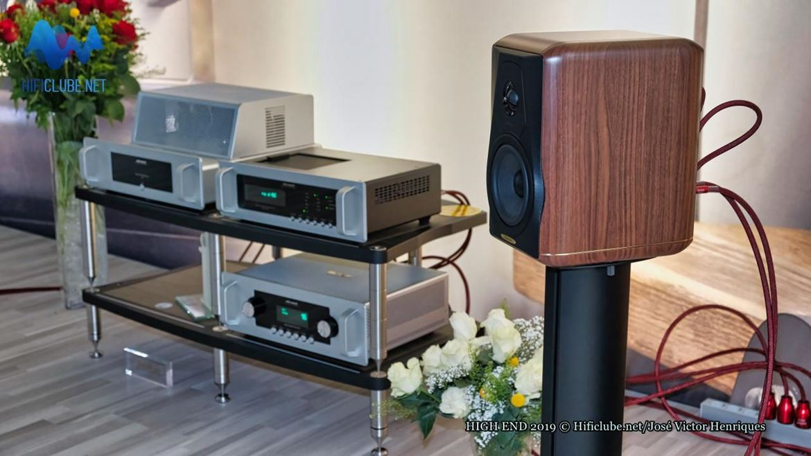 Sonus faber Minima Amator, close up.jpg