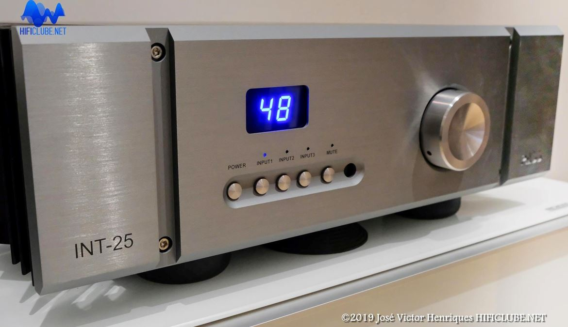 Delaudio- Pass INT25 copy copy.jpg