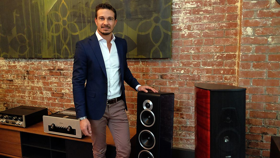 Fiore Cappelletto, the smiling face whom we can count upon to give us all the information about the newest products from Sonus Faber.