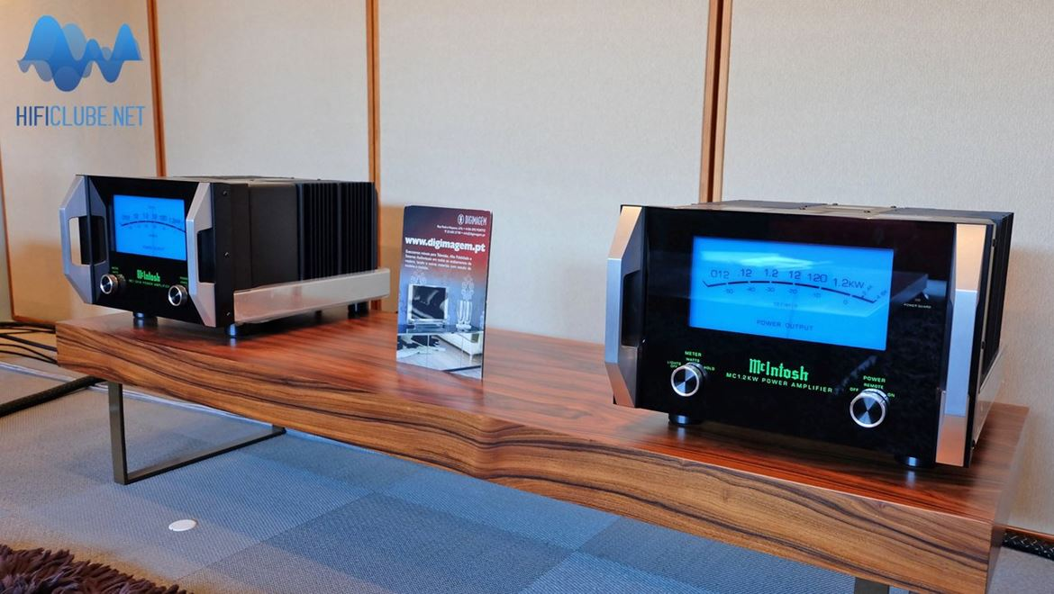 McIntosh MC1.2KW - 1200 watts de som azul