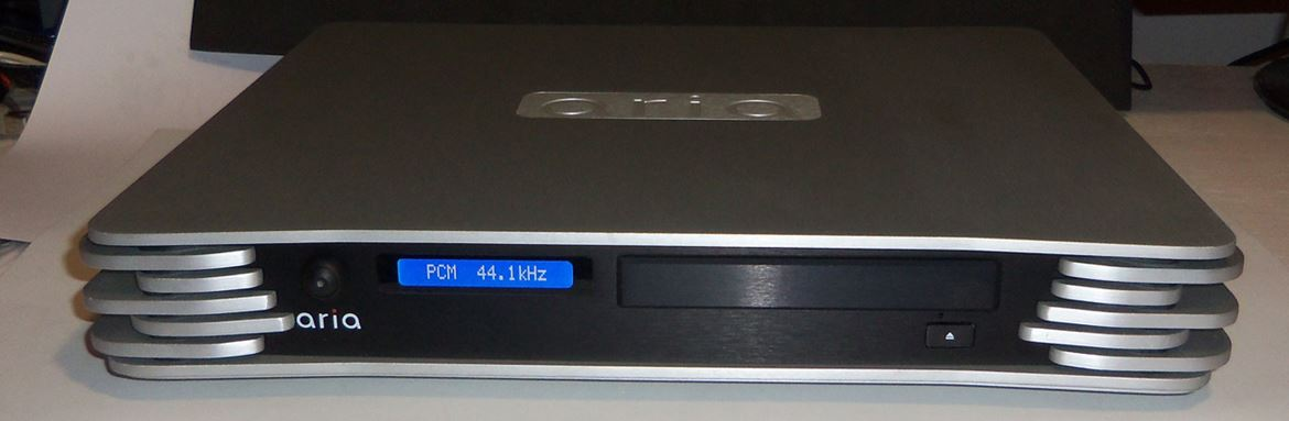 Aria audio server com mostrador, DAC e PSU linear (frente)