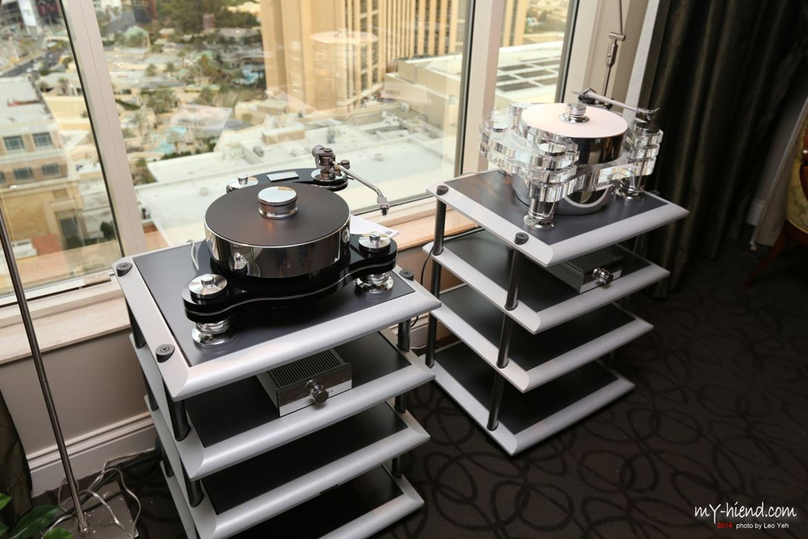 Transrotor: turntable beauty contest in Vegas.