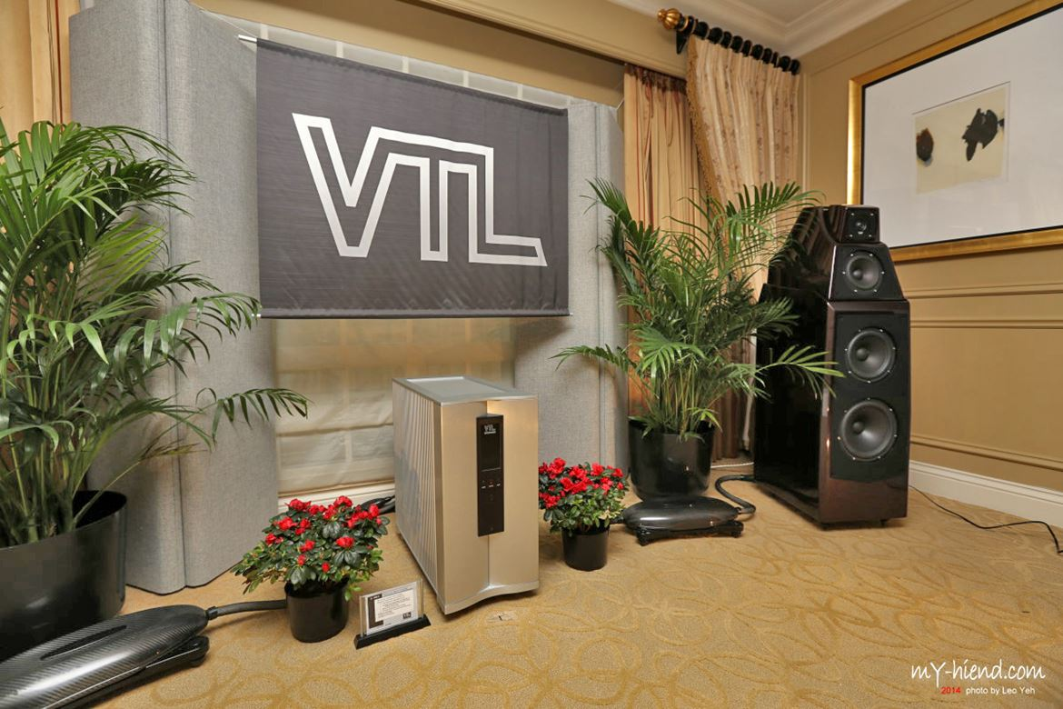Wilson Audio Alexias were everywhere. Here with VTL amplifiers.