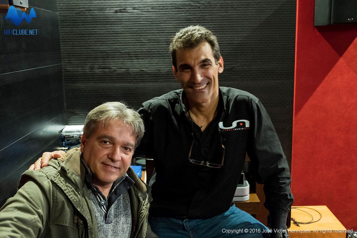 Rui Calado com Marcelo Tavares no 'escurinho do home cinema'