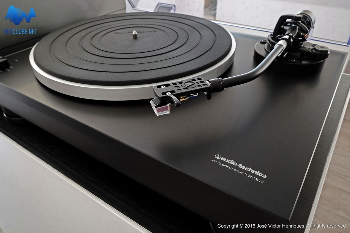 Audio Technica AP LP5 direct drive turntable c/saida USB
