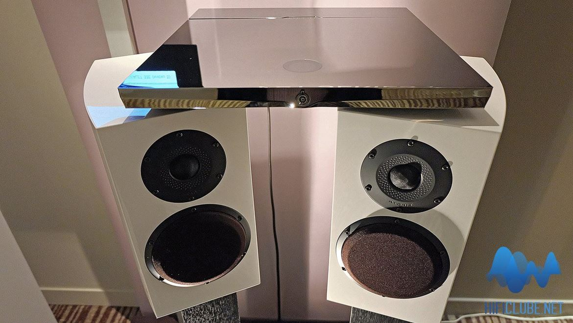 The Ensemble Devialet 120 + Atohm GT1 loudspeakers, the sophistication of simplicity and high compatibility