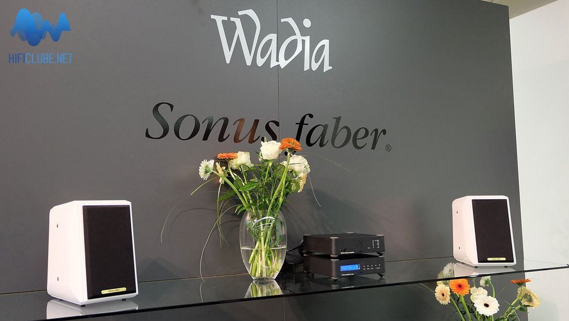 A Wadia (121 decoding computer e 151 power dac na foto) faz agora parte do grupo Fine Sounds, que integra a Sonus Faber
