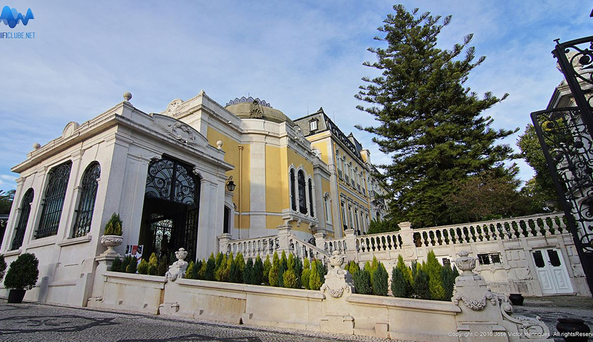 http://www.hificlube.net/media/241903/1-Pestana-Palace---outside-view.jpg