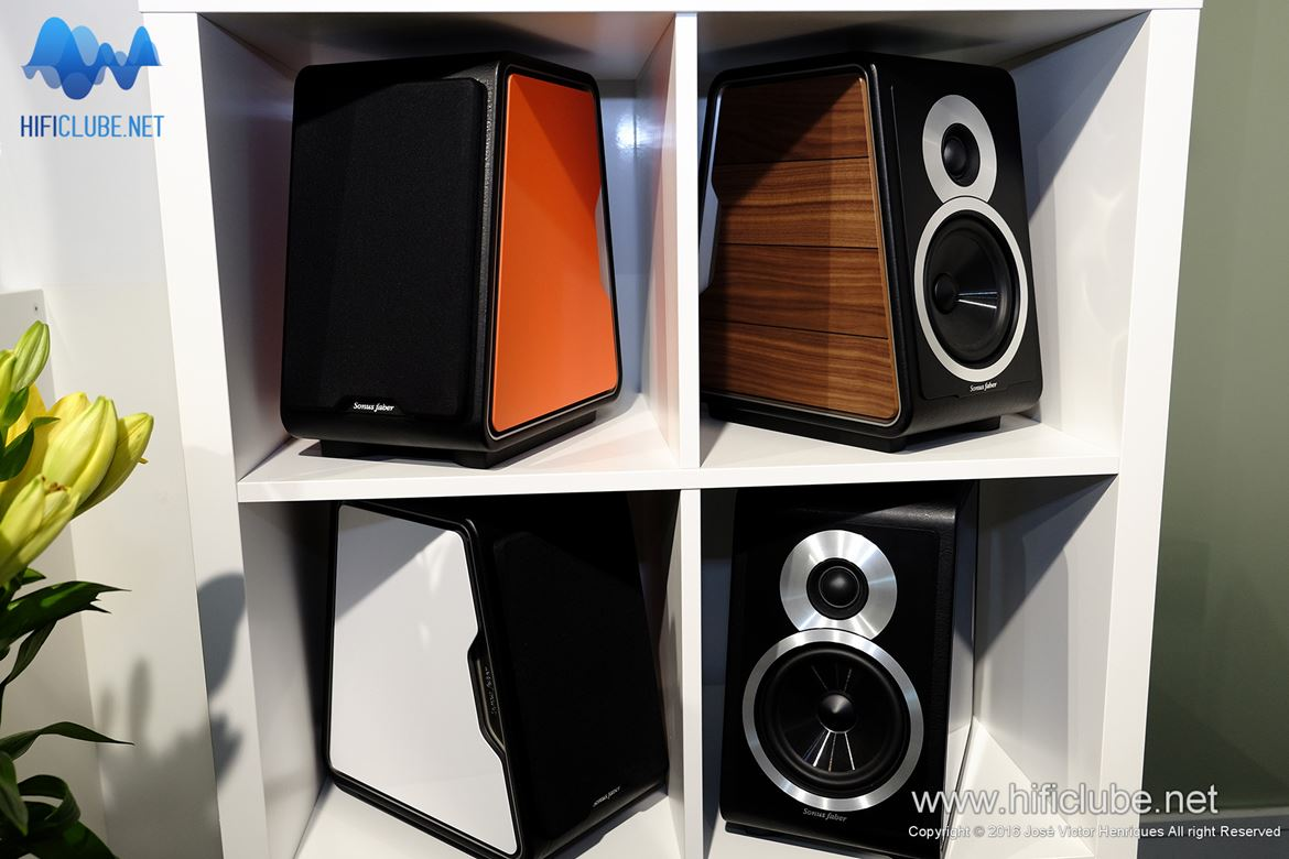 The Sonus Faber Chameleon colour collection grows.