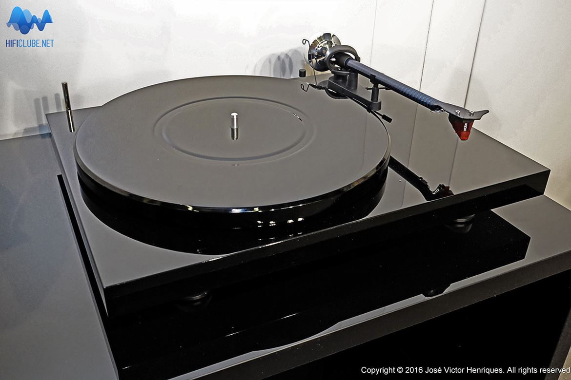 Pro-Ject 25th Anniversary Black Diamond