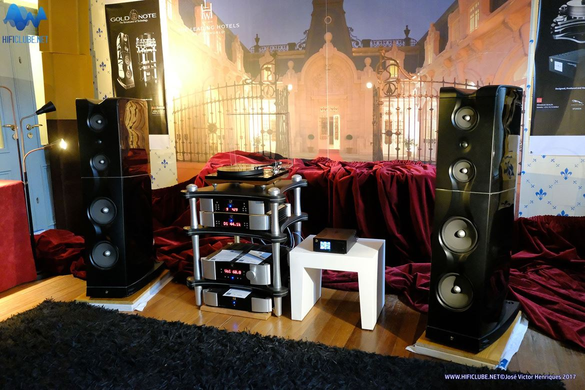 myHifi House, a new 'player' in town: electrónica Moon Simaudio e colunas Goldnote