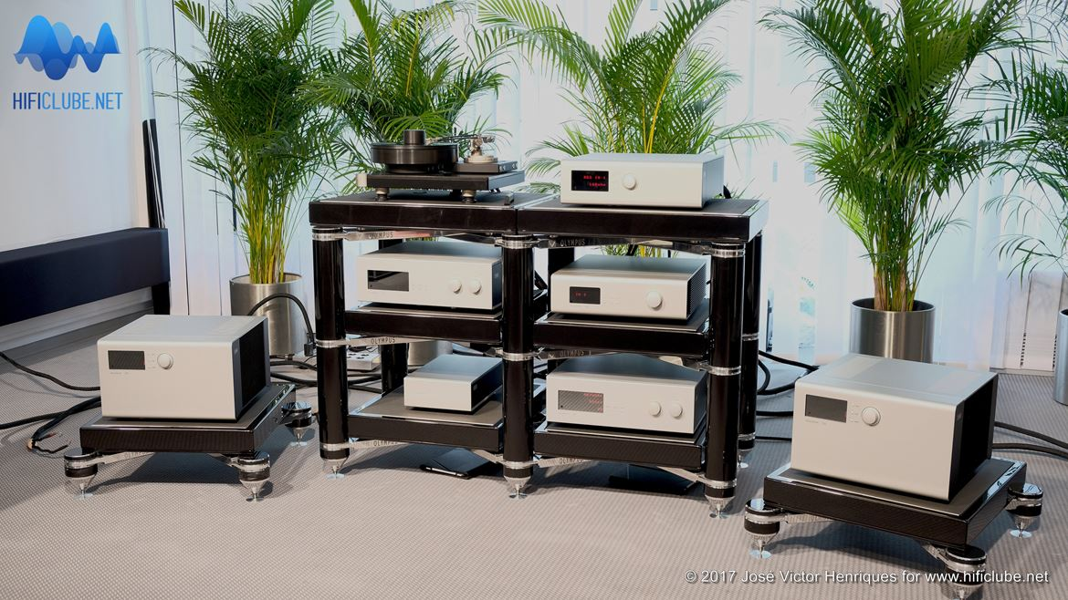 Highend2017_amplificadores e outros_Soulution Collection_331,550,511,725.jpg