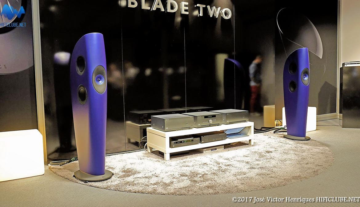 KEF Blade Two -HighEnd-2015.jpg