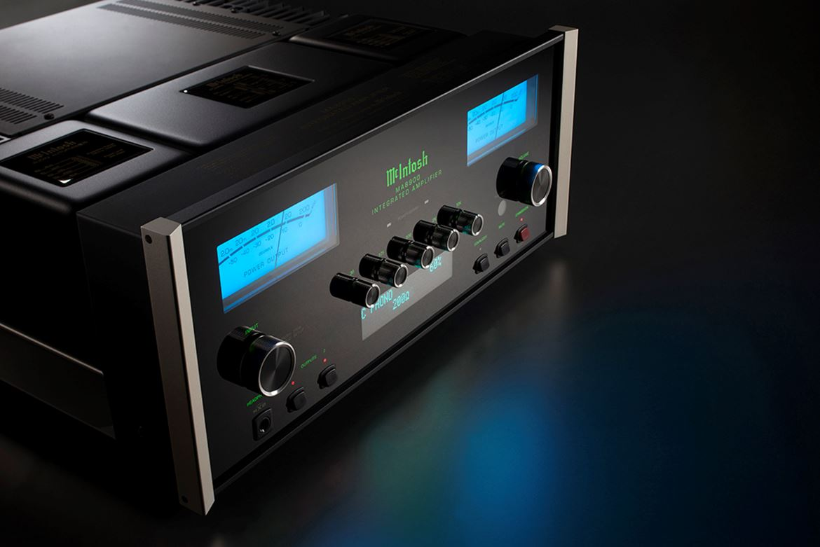 MA8900 Angle Left wide background Phono.jpg