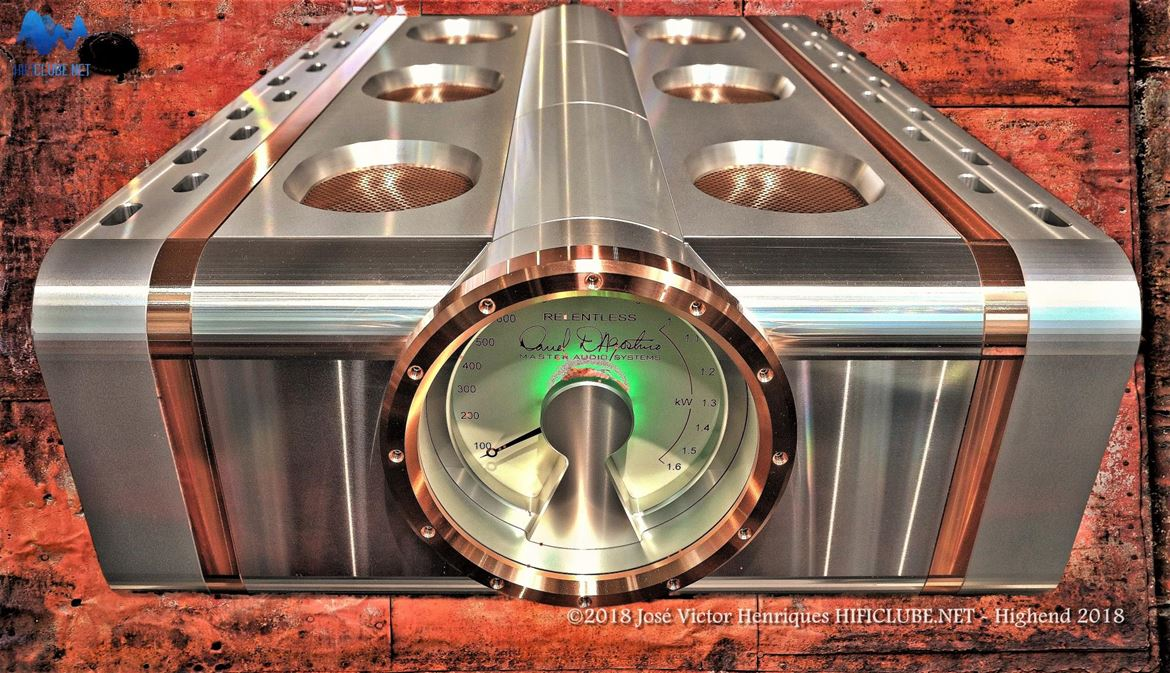 Dan D'Agostino Master Audio Systems Relentless monoblock